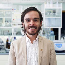 Dr César Cáceres