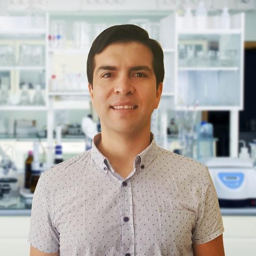 Dr. Enzo Díaz Muñoz