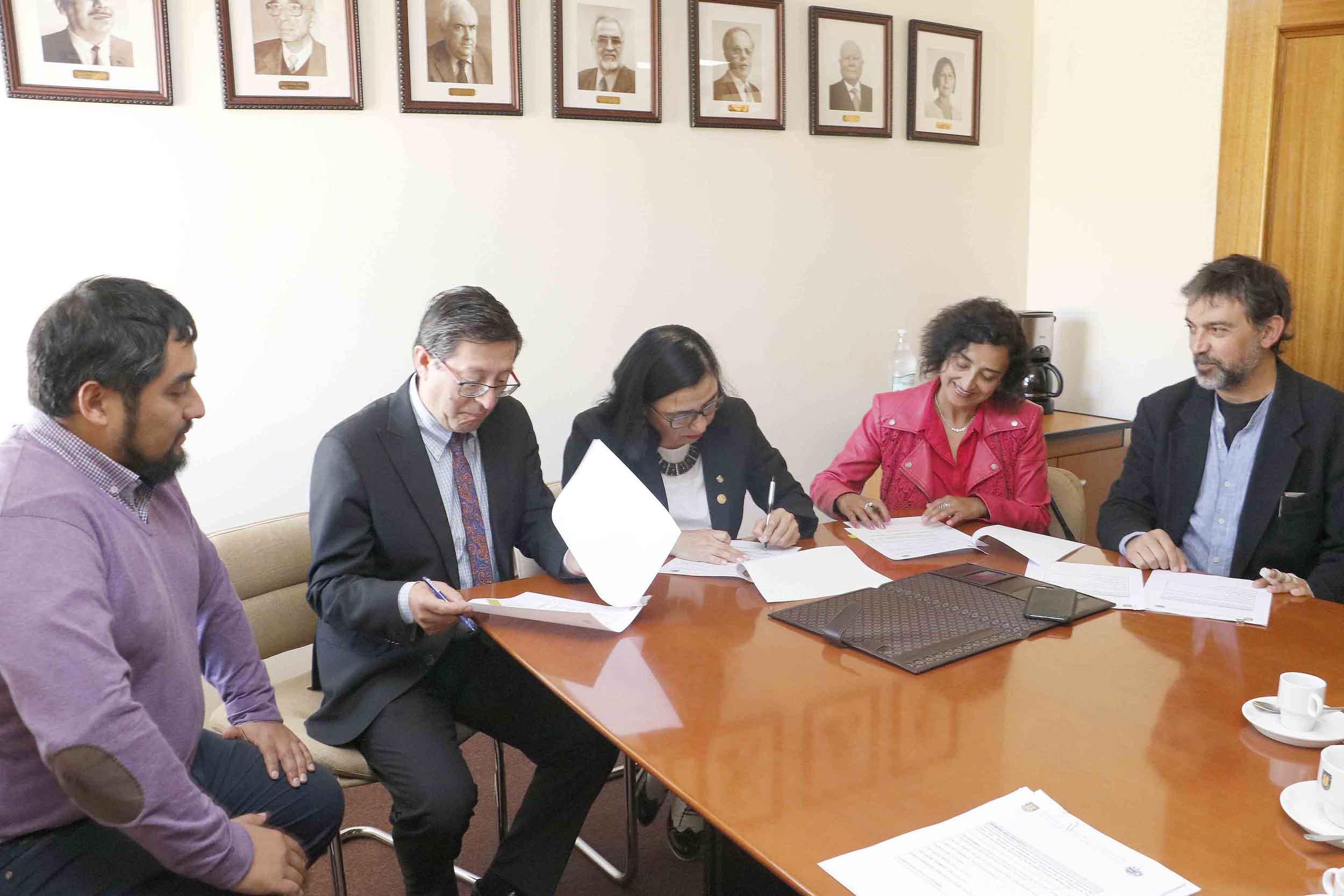 Doctorados en Ciencias Químicas y Ciencias Biológicas inician proyecto conjunto de mejoramiento