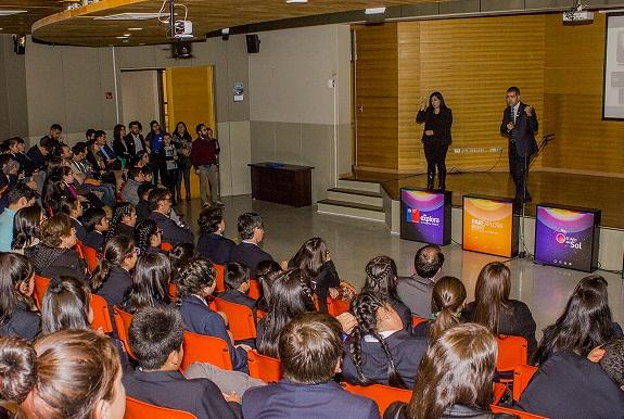 Dr. Claudio Jiménez expone sobre la Tabla Periódica en lanzamiento de actividades Explora Biobío