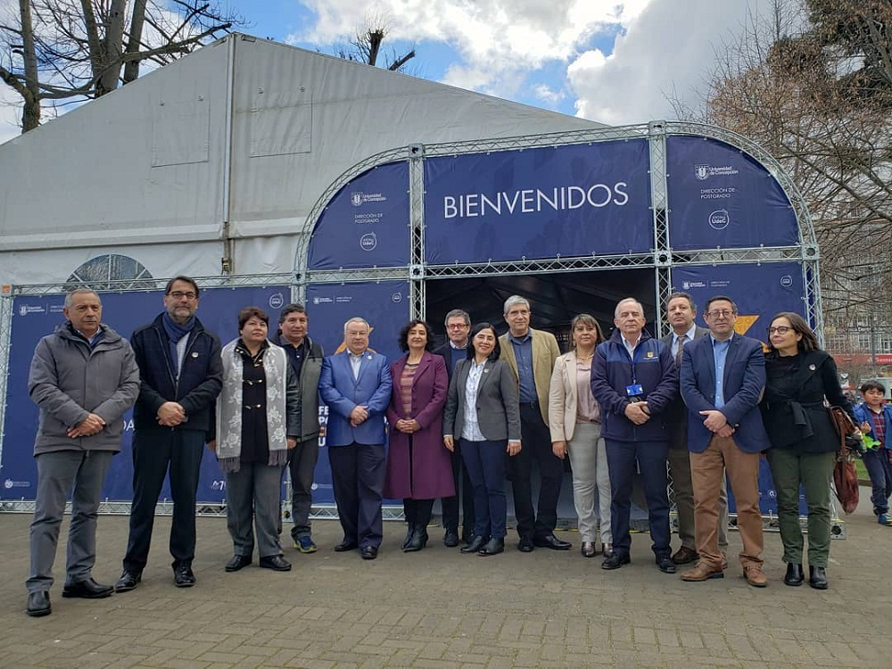 Ciencias Químicas participa en Feria de Postgrados UdeC