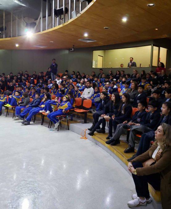 Académicos de Ciencias Químicas realizan en CICAT muestra interactiva sobre Química Sustentable que reúne a cerca de 500 estudiantes de enseñanza básica