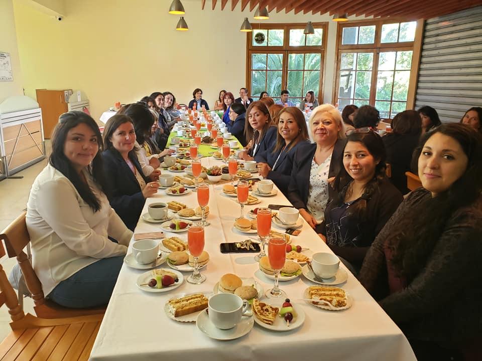 Con Desayuno de Camaradería Ciencias Químicas conmemora Día Internacional de la Mujer